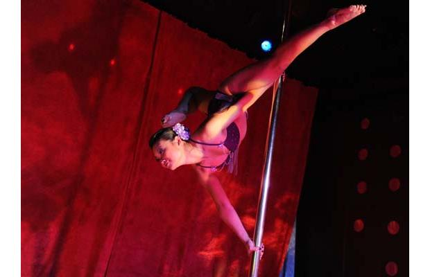 Jean Kwon competes in Miss Pole Dance Canada 2010, photo by Jason Payne